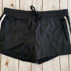 NWT Fabletics Pamela reflective active shorts